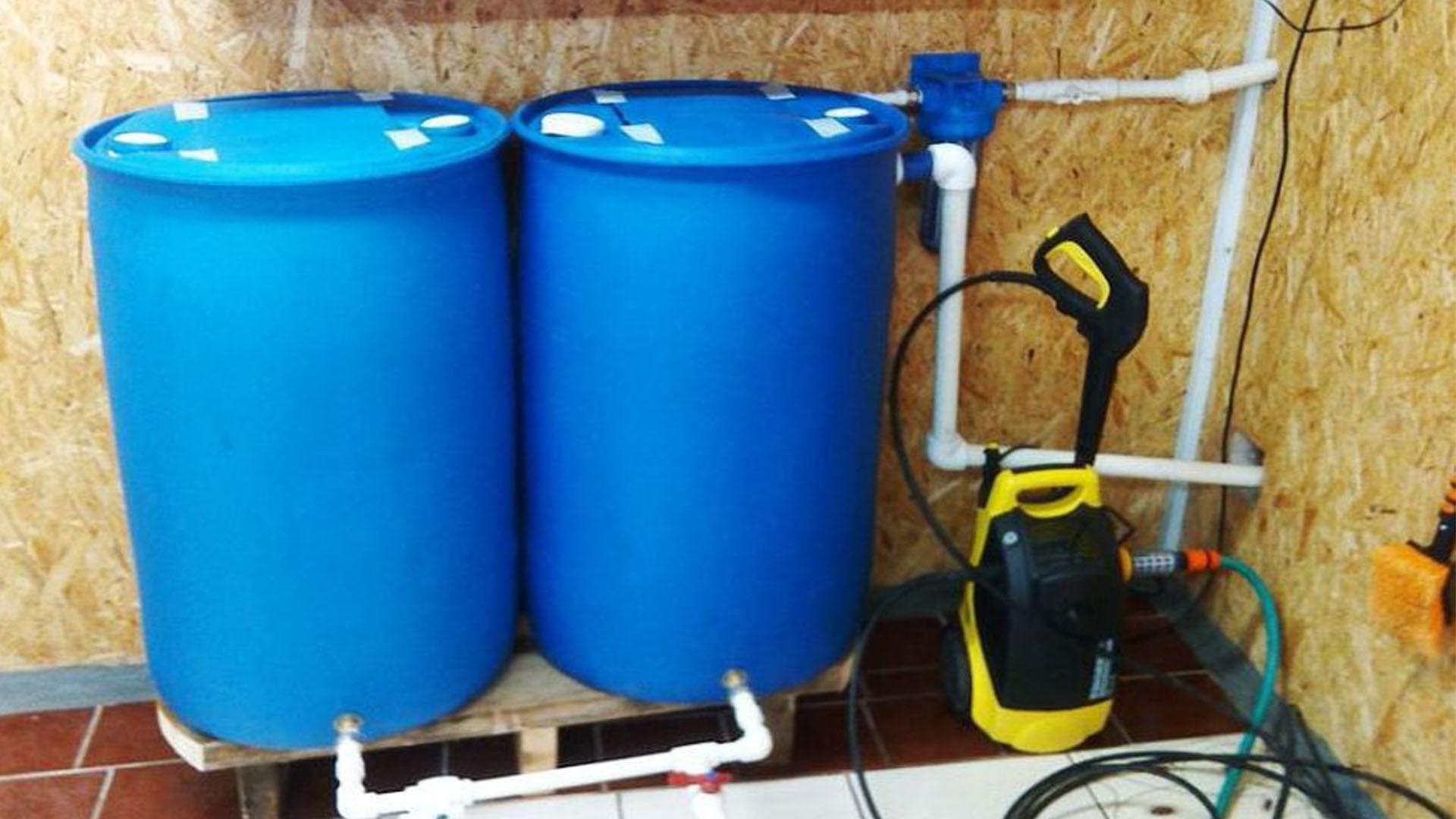 Пластиковые бочки на дачу для канализации и сантехники
