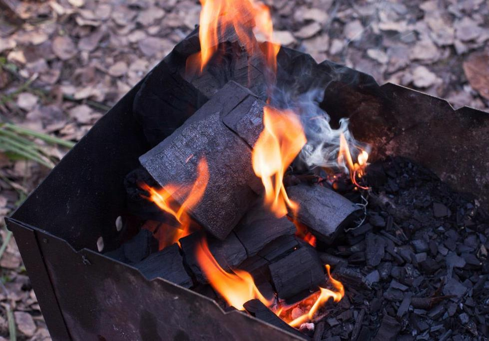 Уголь древесный для мангала на дачу