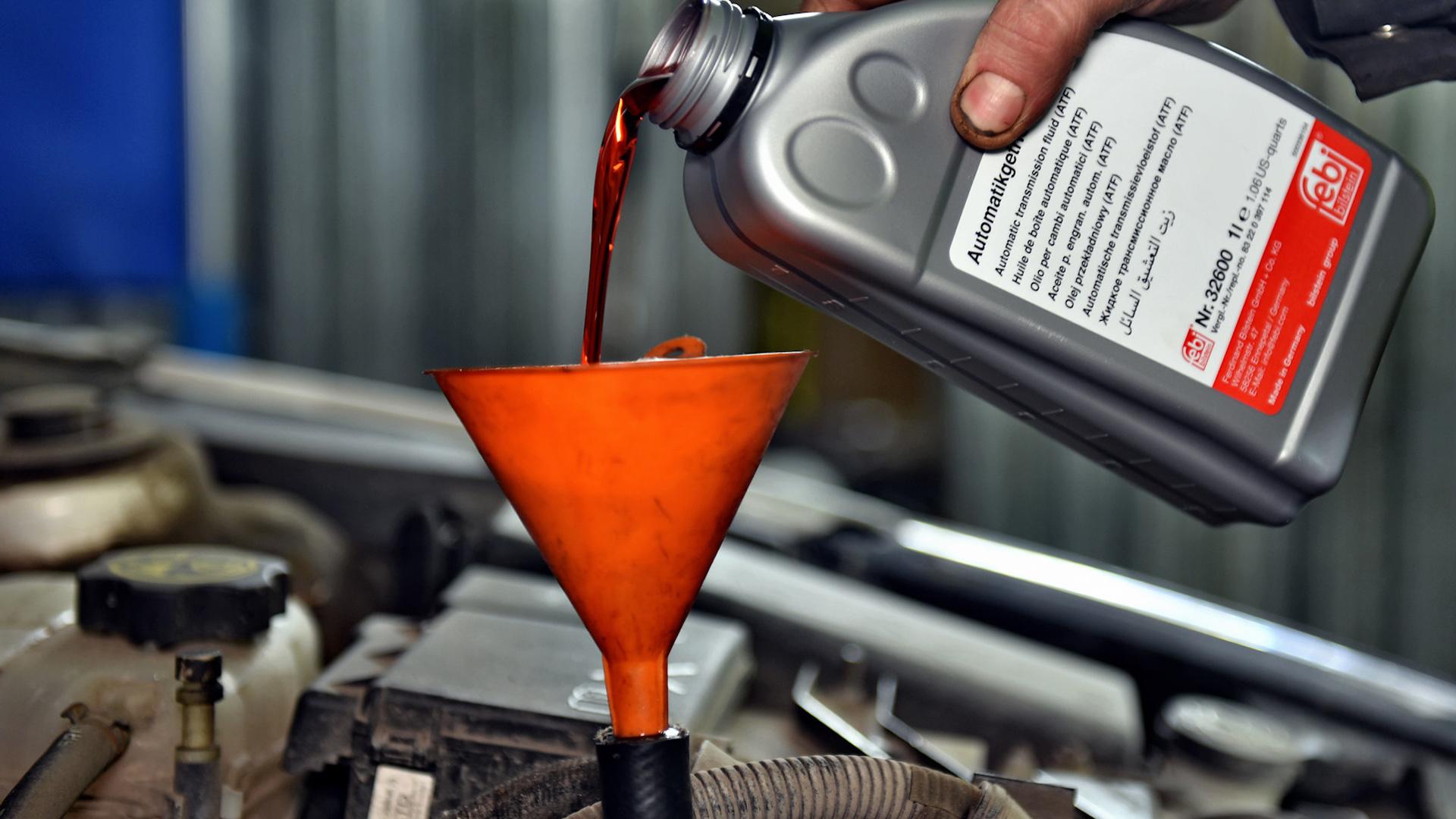 Замена масла в разных автоматических коробках машин