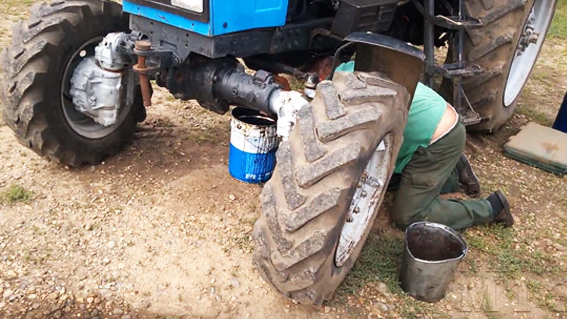 Масло в двигатель трактора